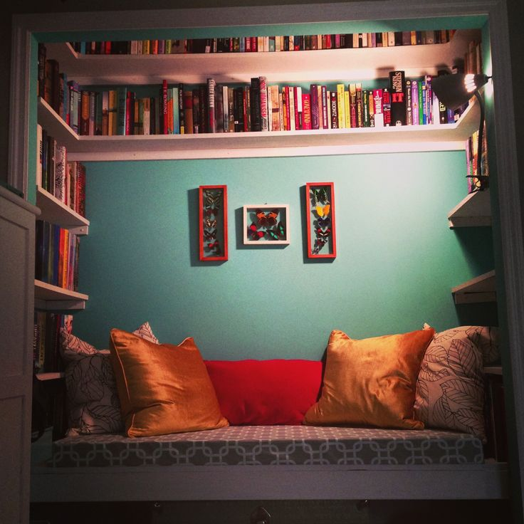 unused-closet-reading-nook-3